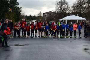 01 2015 11 28 Dorflauf In Villmar, 10 Km-Kreis-M., SCO-Vereins-M. 014 Startaufstellung Zum 2 Km Lauf Der Schüler