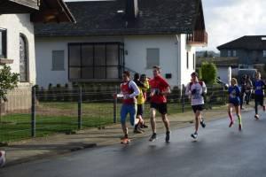 02 2015 11 28 Dorflauf In Villmar, 10 Km-Kreis-M., SCO-Vereins-M. 023 Lars Läuft Die 5 Km Unter 19 Minuten, AKBPL