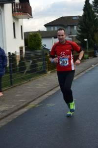 04 2015 11 28 Dorflauf In Villmar, 10 Km-Kreis-M., SCO-Vereins-M. 051 Auch Stefan Würz Setz Sich Eine Neue Bestmarke