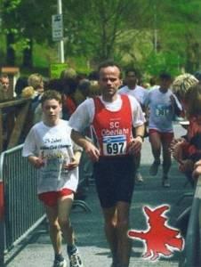2005_Weiltal 05 Holger finisht mit Jonas