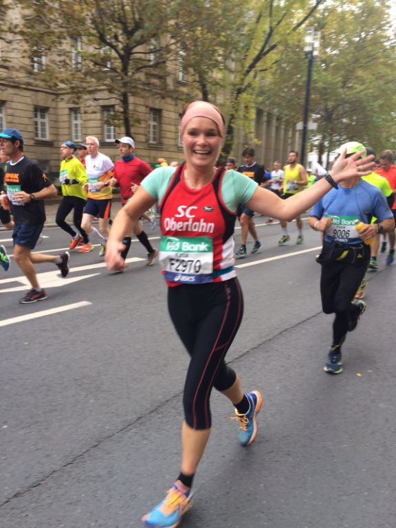 2015 10 25 Frankfurt-Marathon Katja auf der Strecke IMG-20151025-WA0008